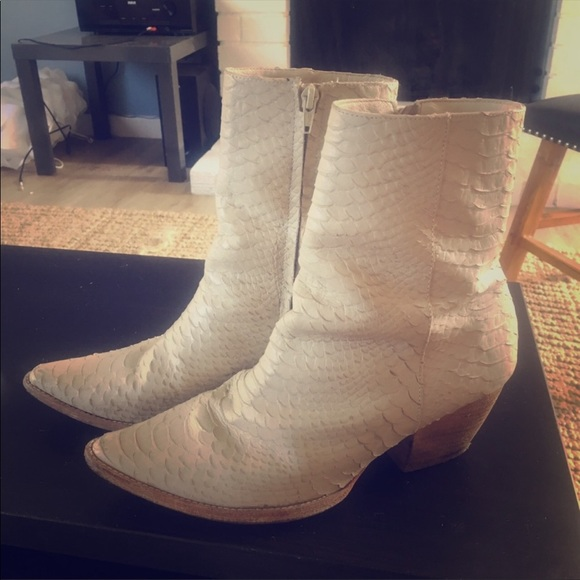 Matisse Caty Boots White Size